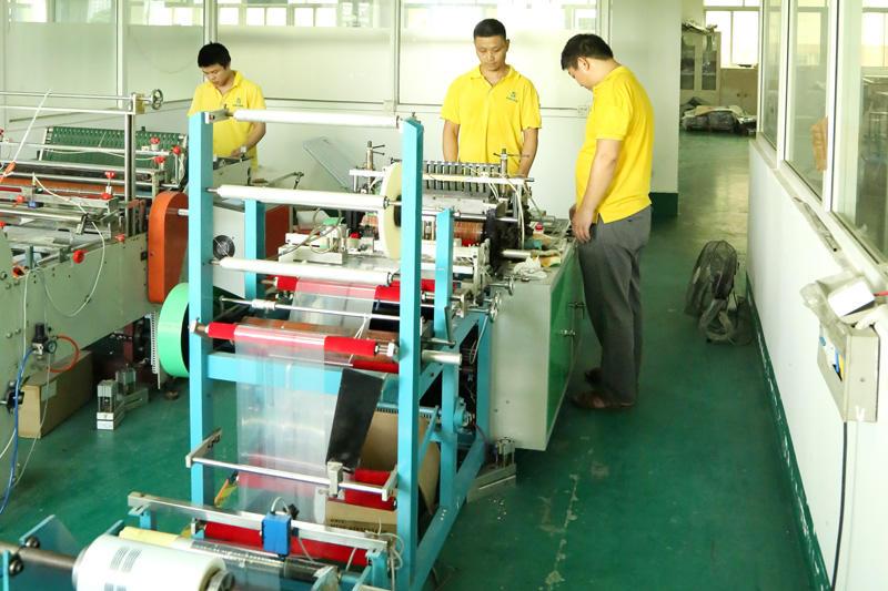 Automatic-sticky-box-machine